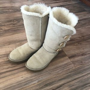 Bailey Button Ugg boots size 8 in sand